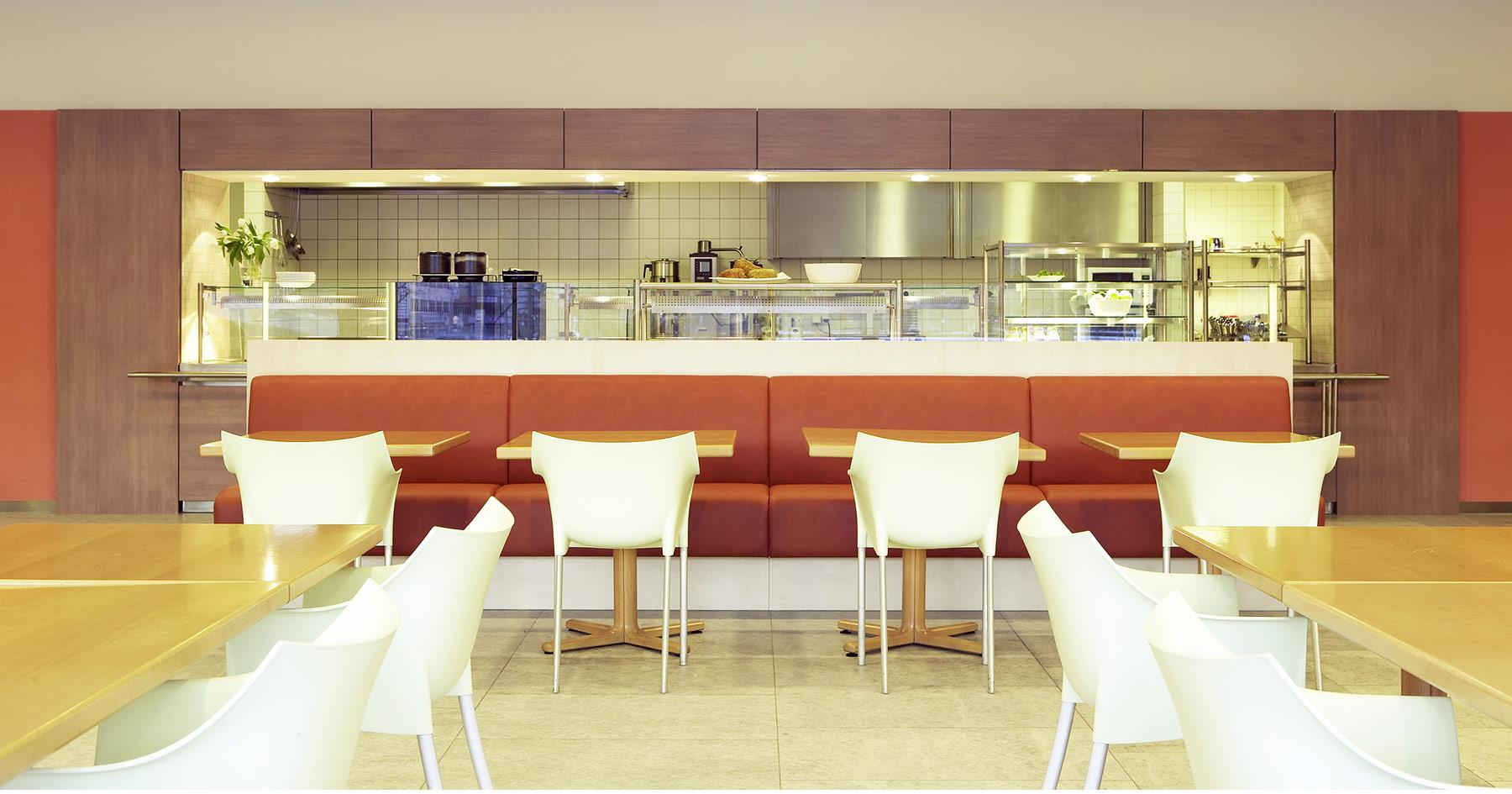 Referenz Innenarchitektur SDW DESIGN Haus der Wirtschaft Cafeteria