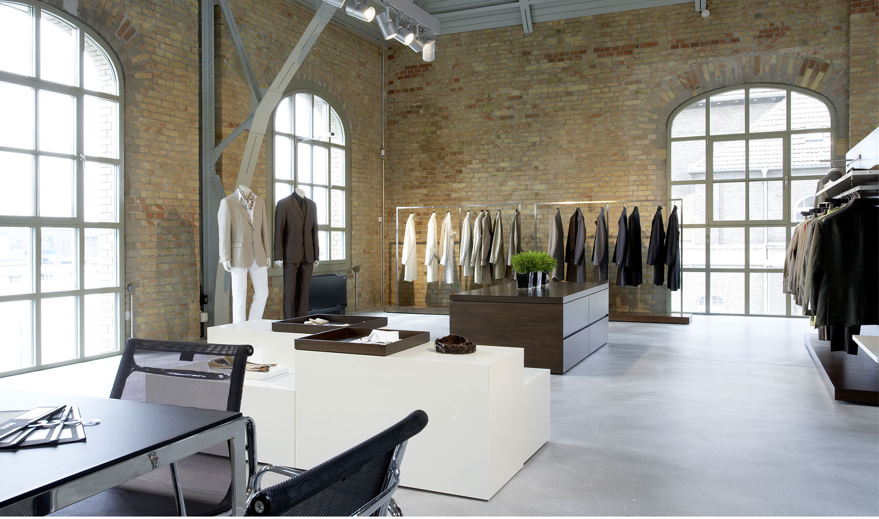 Referenzen Innenarchitektur SDW DESIGN Ladengestaltung Hugo Boss